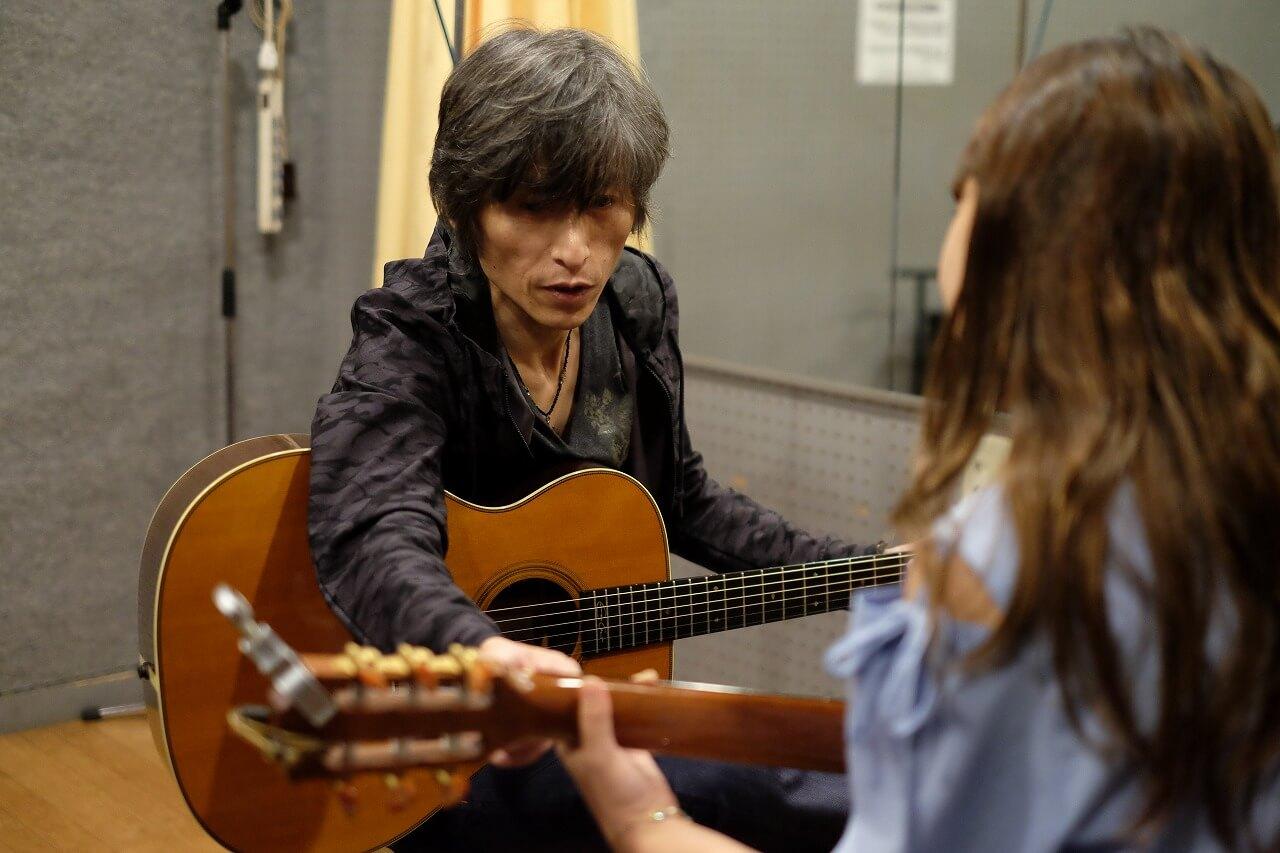 ギタリストぽんきち「初心者向けギターレッスン」
